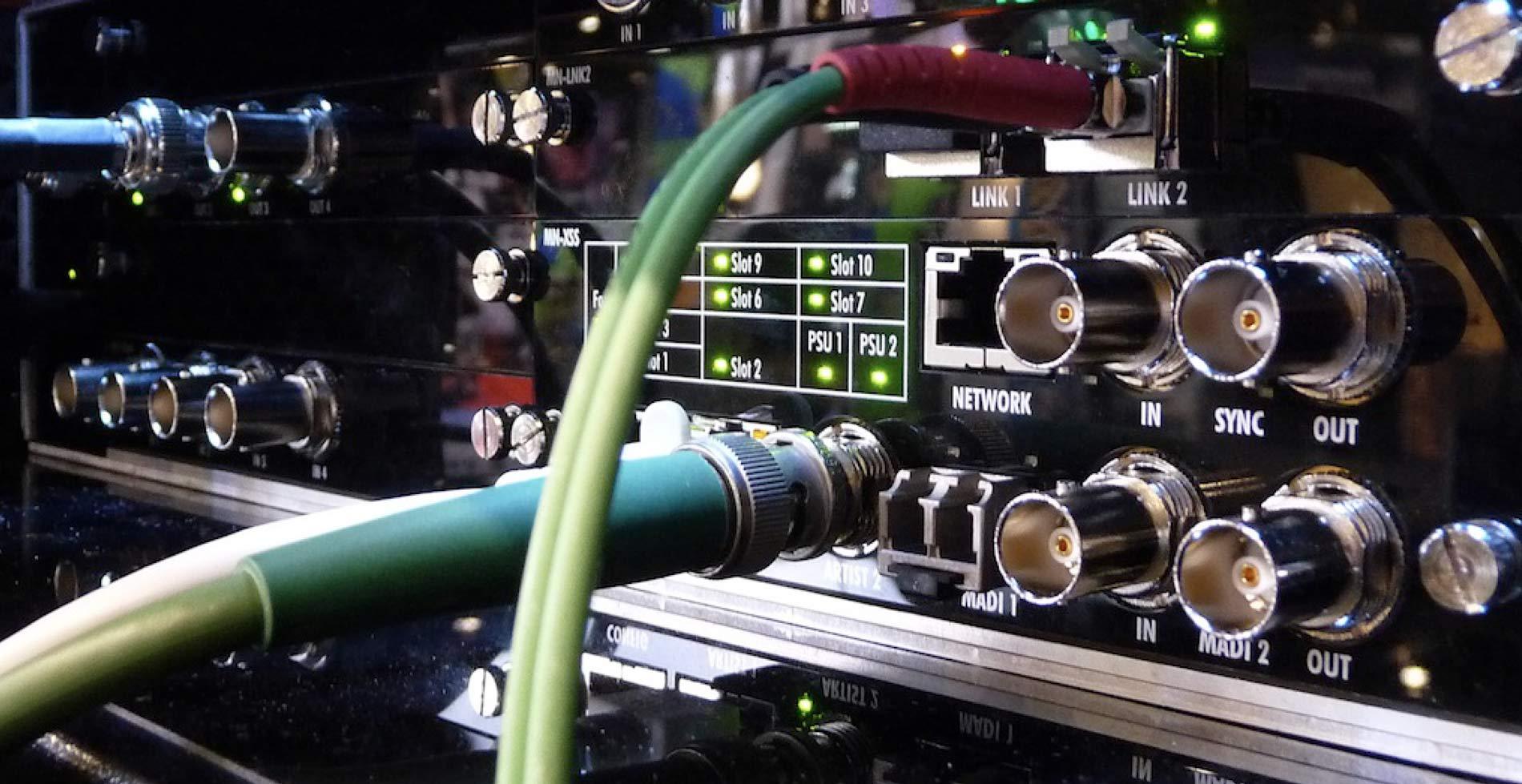 alquiler y servicio audiovisual,equipos de sonido,video,iluminación, informática, estructuras y creación de contenidos,audiovisual
